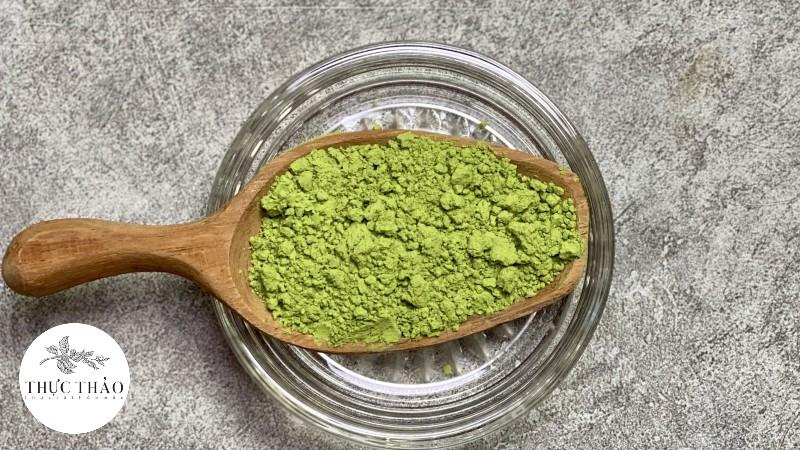 Chất bột mịn, xanh, giữ được màu sắc và mùi vị như rau má tươi