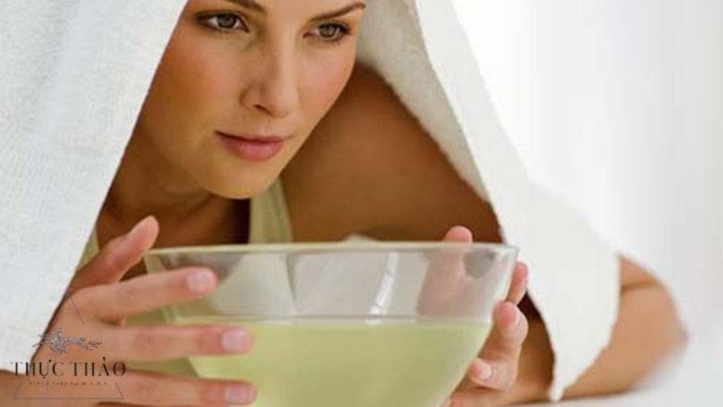 Sử dụng nguyên liệu tự nhiên xông mặt giúp điều tiết bã nhờn
