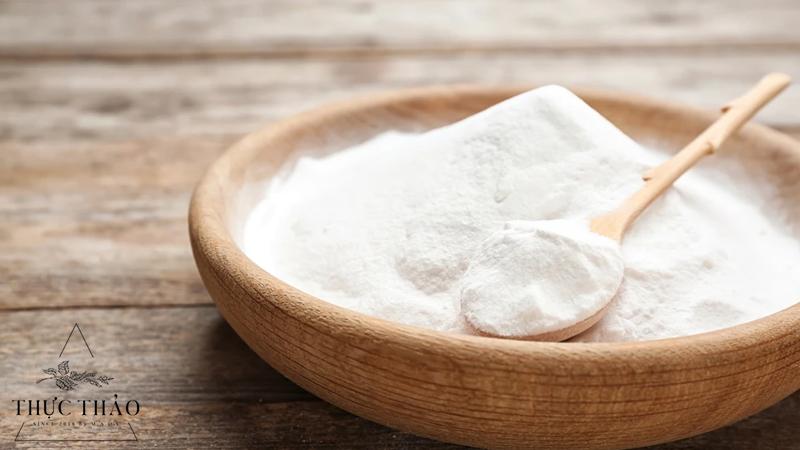 Baking soda có tác dụng kiềm nhờn, làm trắng và sử dụng như chất tẩy rửa