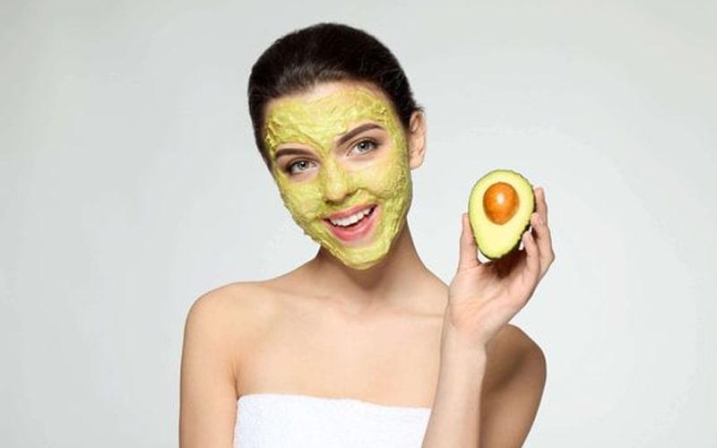 Chăm sóc da tại nhà đơn giản từ mặt nạ bột trái bơ
