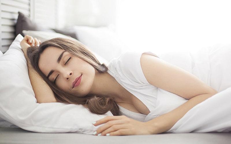 5 thứ nên cởi ra và 4 thứ nên mặc vào khi đi ngủ