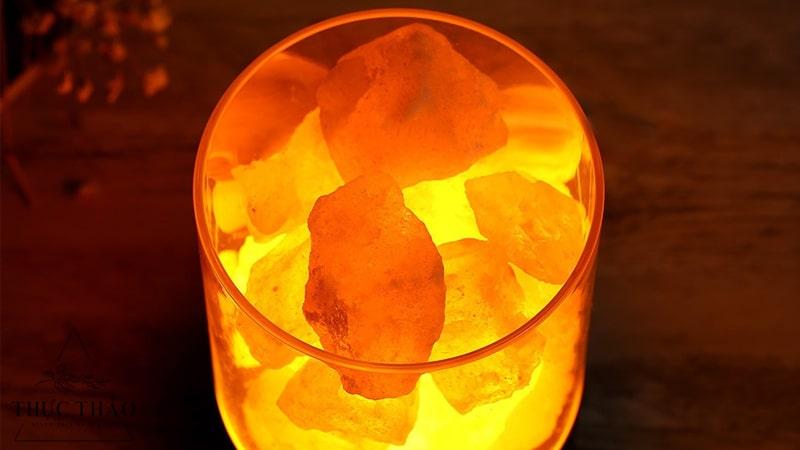 Đèn đá muối để phòng rất tốt cho sức khỏe và phong thủy