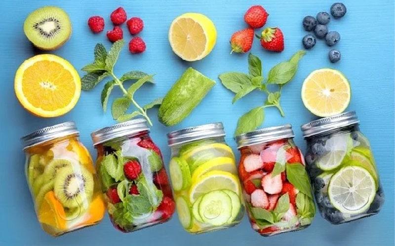 Các công thức làm nước detox giúp thải độc, giảm mỡ sau tết