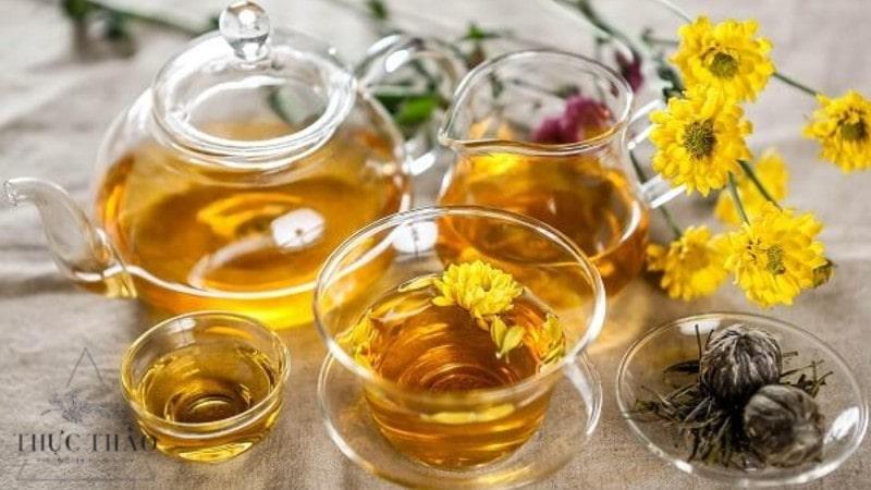 Tại Thực Thảo có 2 loại trà từ hoa cúc: nụ và cánh