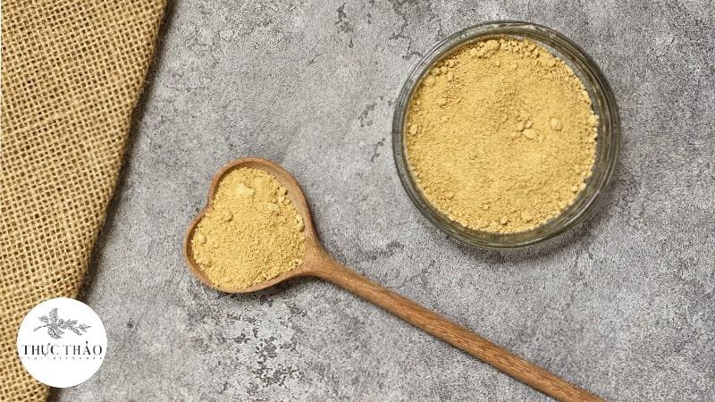 Chất bột mịn, thơm, màu vàng nhạt