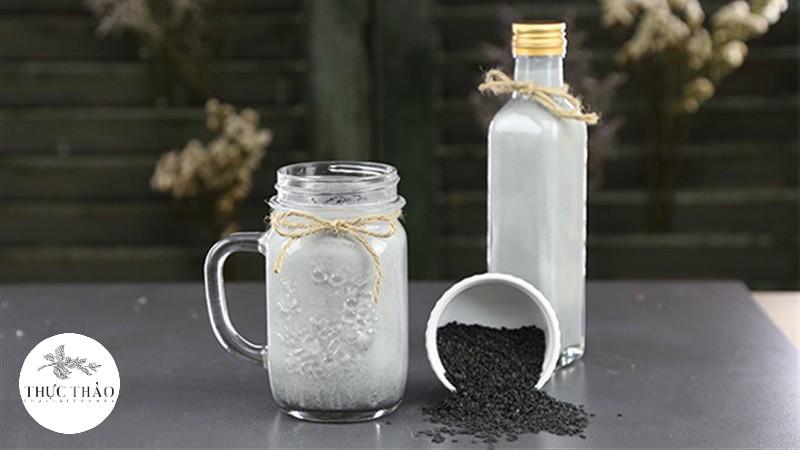 Sữa mè đen vôn rất nổi tiếng khi được kết hợp cùng gạo lứt càng tuyệt vời hơn