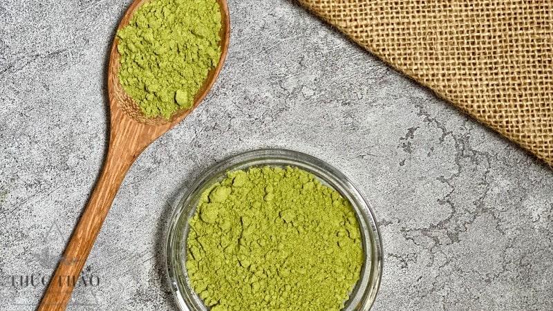 Bột lá chanh thái có màu xanh tự nhiên. mùi thơm và chất mịn tại Thực Thảo
