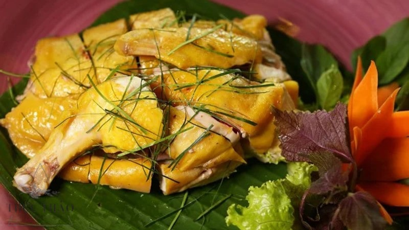 Tăng hương vị món ăn từ lá chanh thái