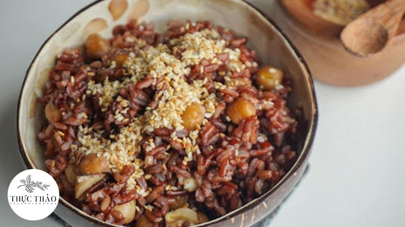Thay cơm trắng bàng gạo lứt tốt cho người bị tiểu đường, tim mạch