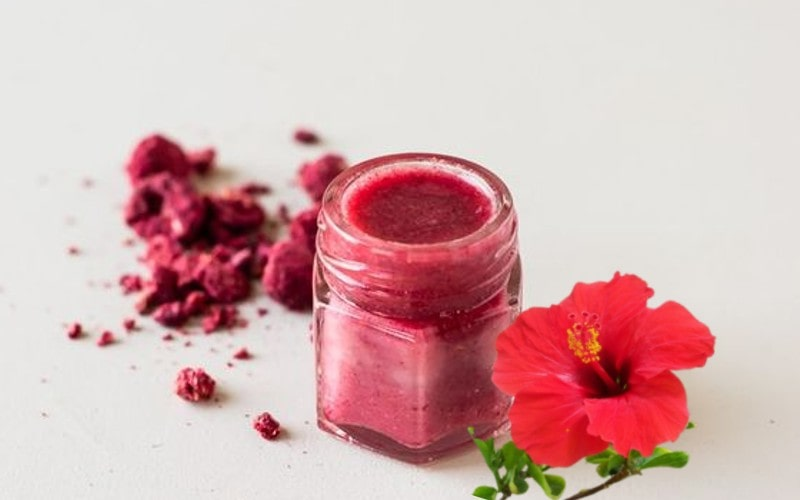 Son môi handmade từ bột hoa râm bụt đỏ tươi không chì